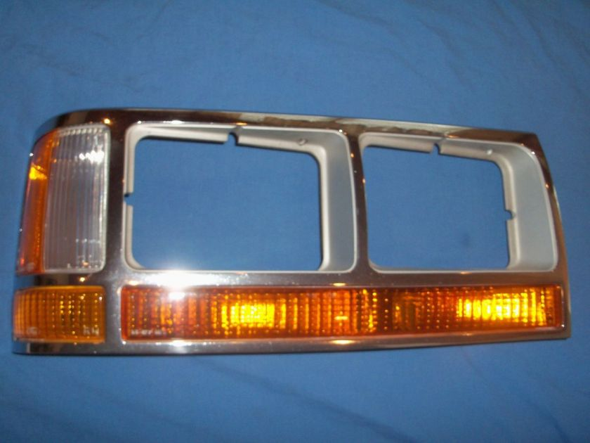 1990 1991 Ford Crown Victoria Passenger Side Right Headlight Bezel OEM